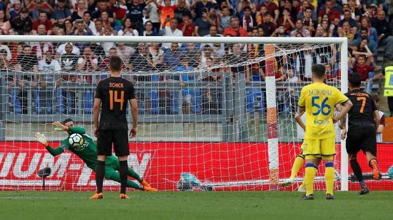 Roma Menang Telak Dzeko Berterima Kasih untuk Alisson