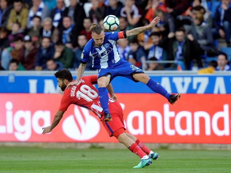 Gol Penalti Menangkan Atletico di Markas Alaves