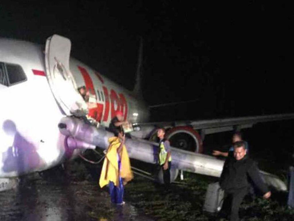 Foto: Penampakan Pesawat Lion Air yang Tergelincir di Gorontalo