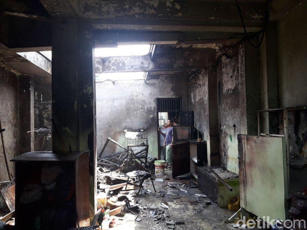 Diduga Korsleting, Gudang Masjid Al-Barkah Bekasi Terbakar