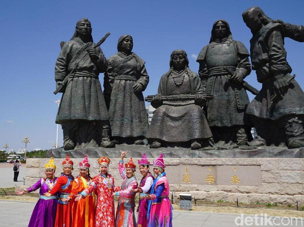 Foto: Patung-patung Genghis Khan