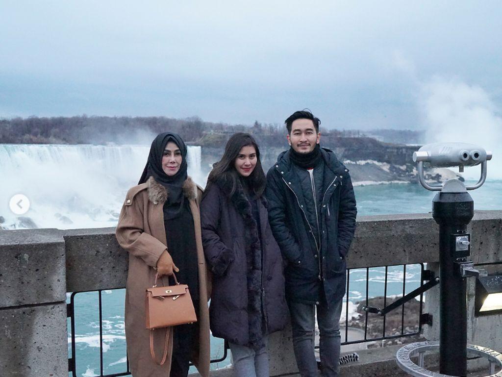 Foto: Air Terjun Niagara, Destinasi Honeymoon Syahnaz