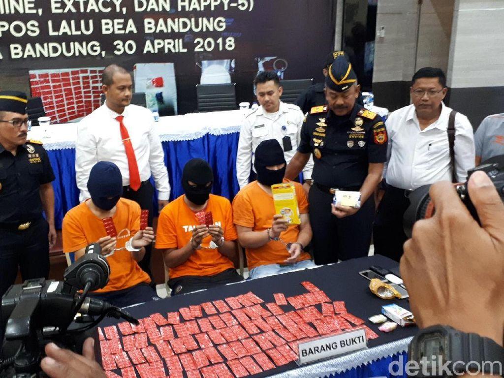 Bea Cukai Gagalkan Penyelundupan Narkotika Via Kantor Pos Bandung