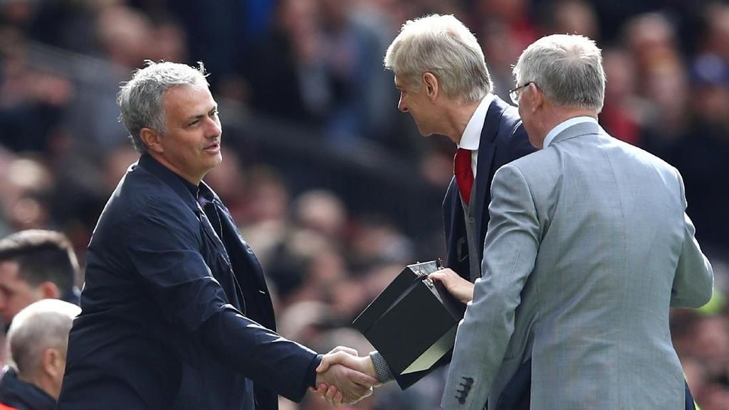 Video Kenangan Manis Wenger di Old Trafford