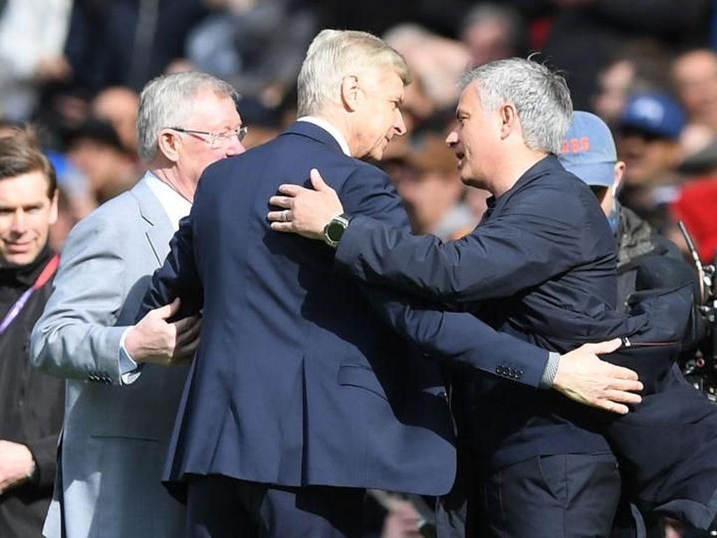 Bukan Mourinho, Saingan Terberat Wenger adalah Sir Alex