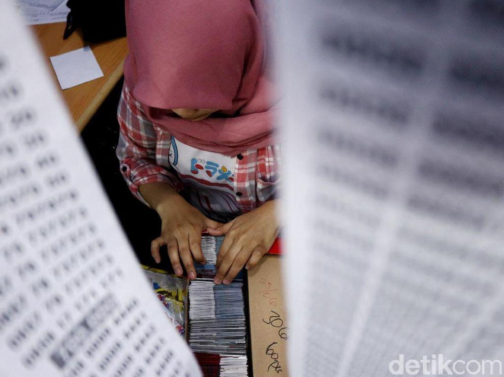 Kominfo Harus Tegas Jalankan Aturan Registrasi SIM Card Prabayar