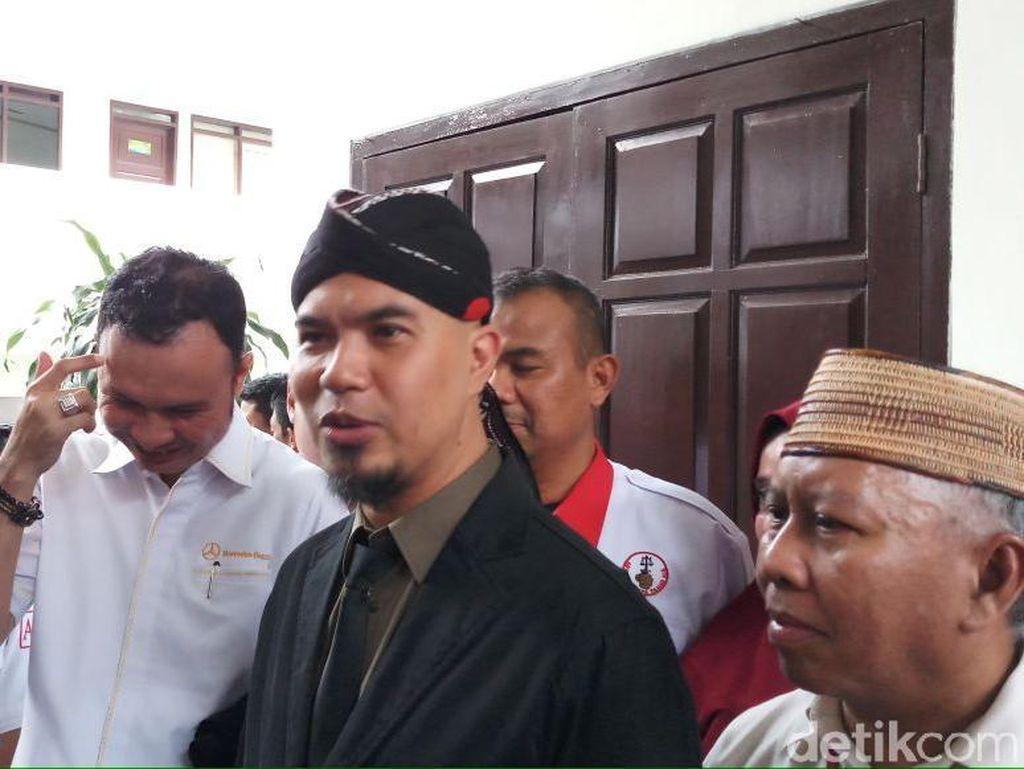 Tak Pakai Kaus #2019GantiPresiden, Dhani: Kasihan Pak Jokowi
