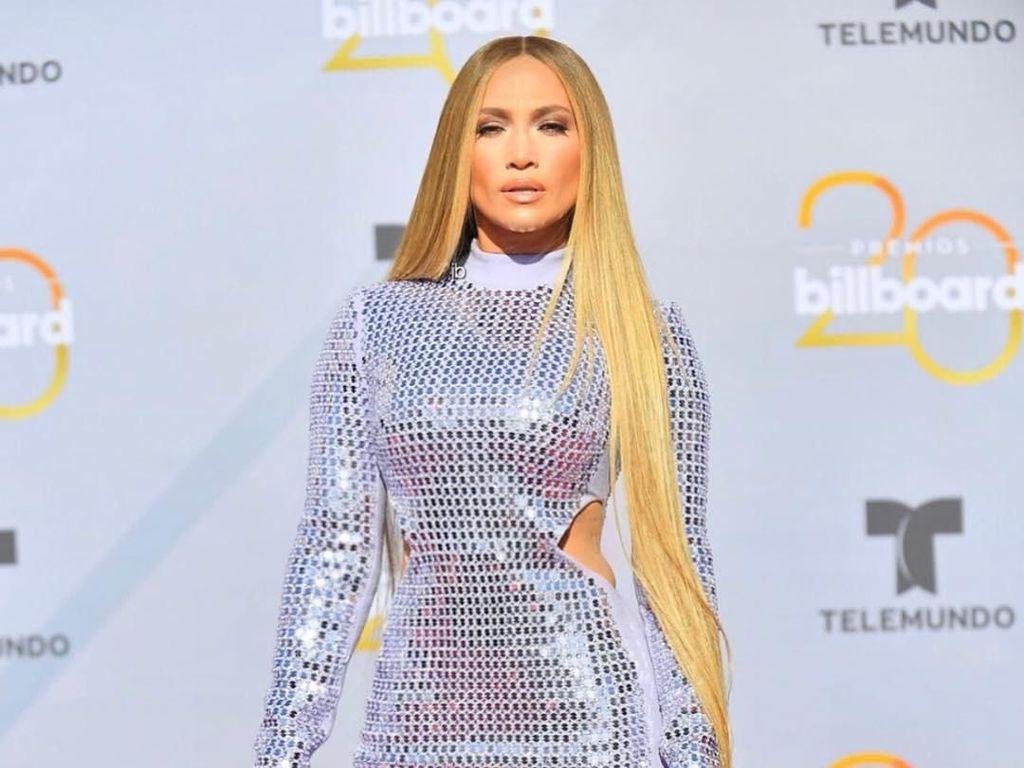 Ini Biaya Punya Rambut Panjang Ala Jennifer Lopez