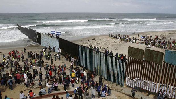 El Salvador, Honduras dan Guatemala merupakan wilayah asal imigran ilegal ke Amerika Serikat yang terbesar