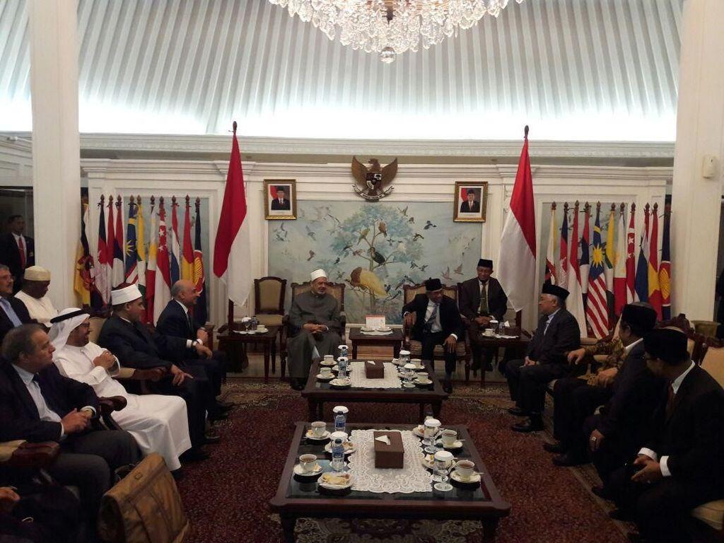 Selain Bertemu Jokowi, Grand Seikh Al Azhar akan Kunjungi Gontor