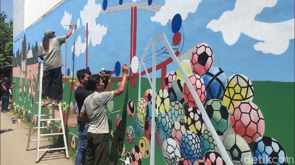 Foto: Kampung Mural 3D Piala Dunia di Cirebon