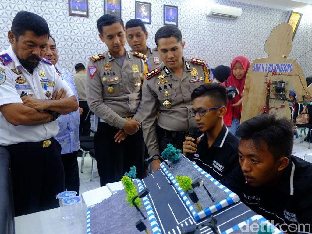 Adu Kreasi Pelajar SMK/SMU Tekan Laka Lantas di Bojonegoro
