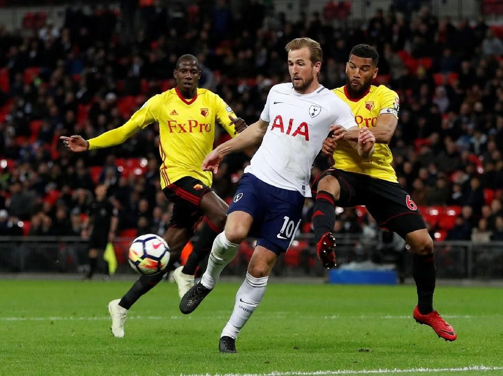 Spurs Atasi Watford 2-0