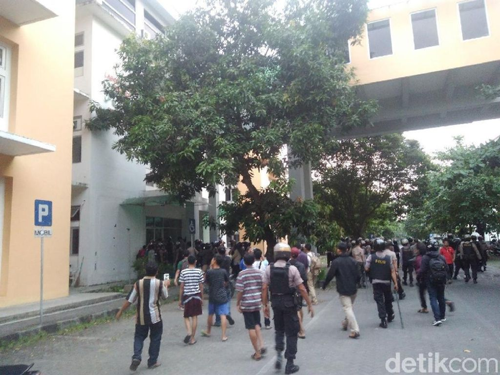 Kejar Pelempar Molotov ke Pos Polantas, Polisi Sisir Kampus UIN