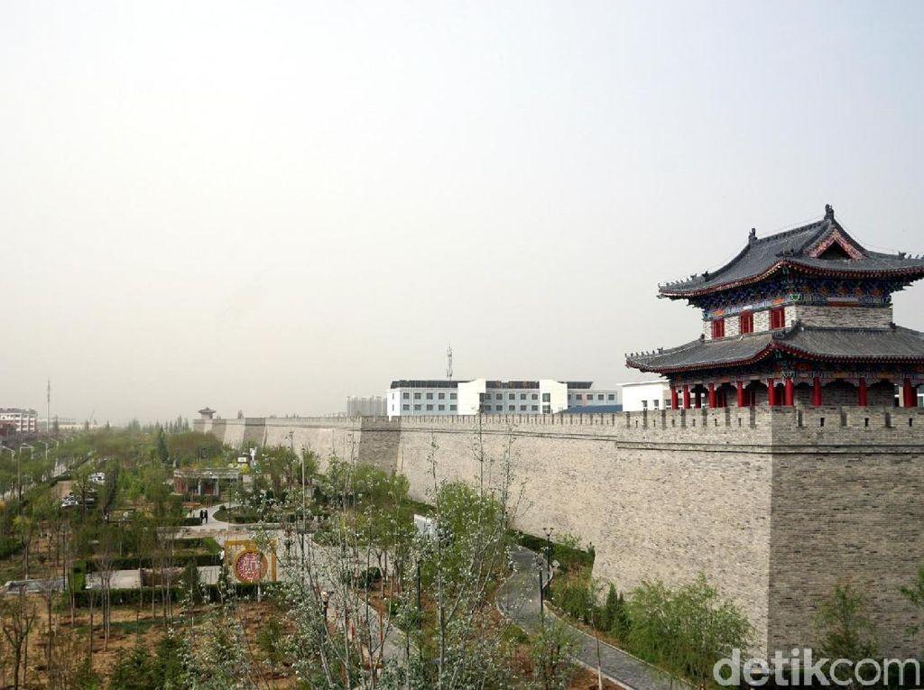 Bukan Beijing, Ini Tembok Besar China di Yanchi