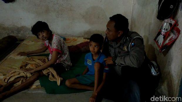 Bocah 10 Tahun Rela Tak Sekolah demi Ibunya yang Lumpuh