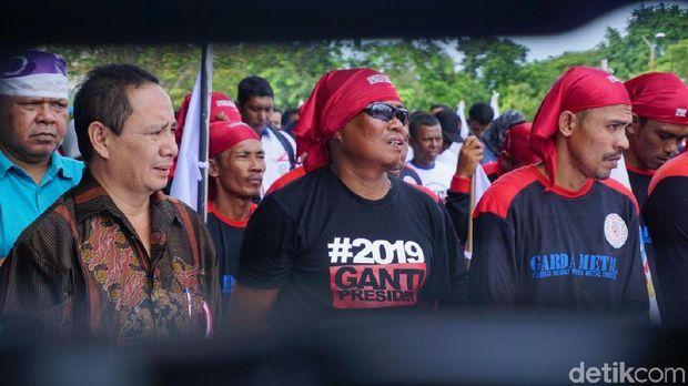 May Day, Massa Buruh di Aceh Pakai Kaos #2019GantiPresiden