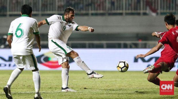 Pemanggilan Alberto Goncalves karena performa striker Timnas Indonesia saat ini kurang memuaskan.