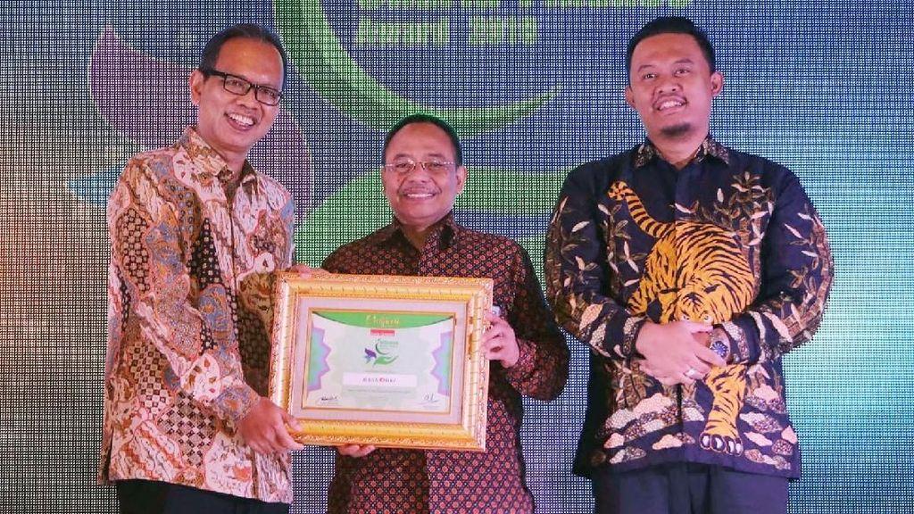 Penghargaan Indonesia Syariah Finance Award