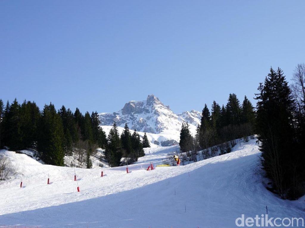 Kebakaran di Hotel Mewah Resor Ski Alpen Prancis, 180 Orang Dievakuasi