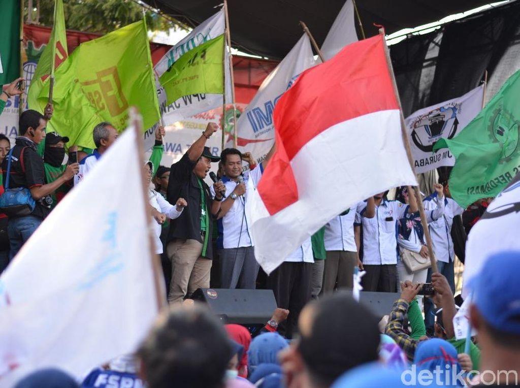 Prabowo Presiden Bergema dalam Aksi May Day di Surabaya