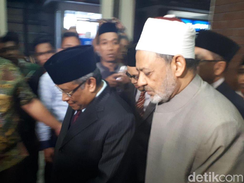 Imam Besar Al-Azhar Bertemu Said Aqil di Kantor PBNU