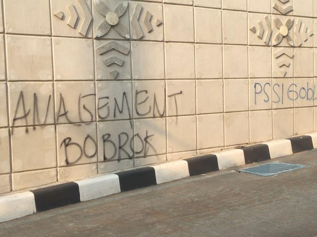 Sandiaga Ingin Undang Pelaku Vandalisme di Underpass Matraman