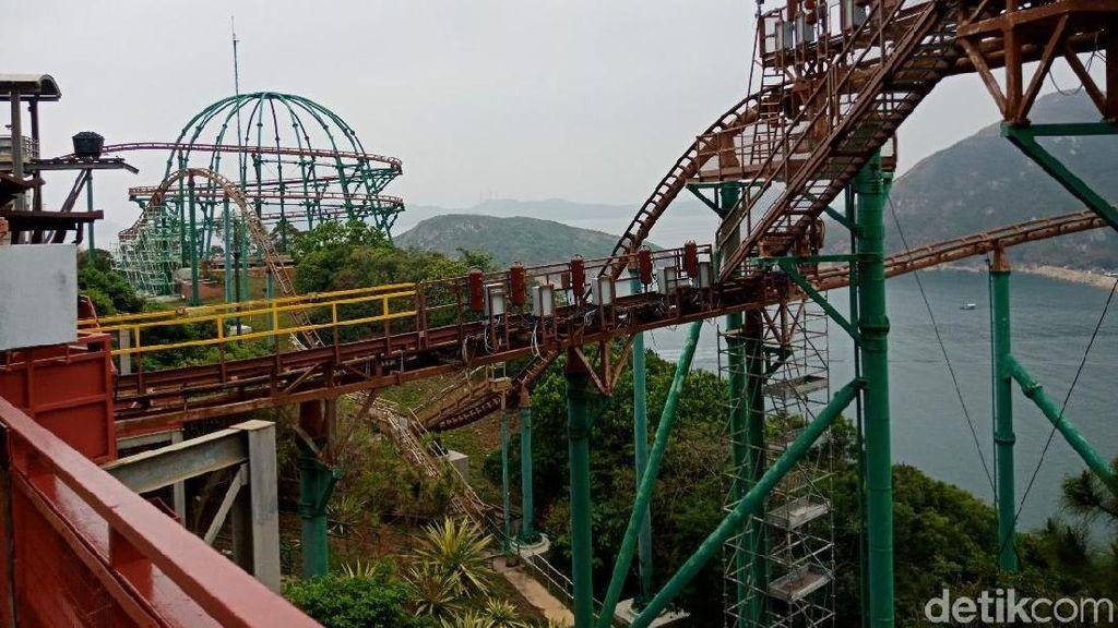 Foto: Roller Coaster VR yang Bikin Deg-degan