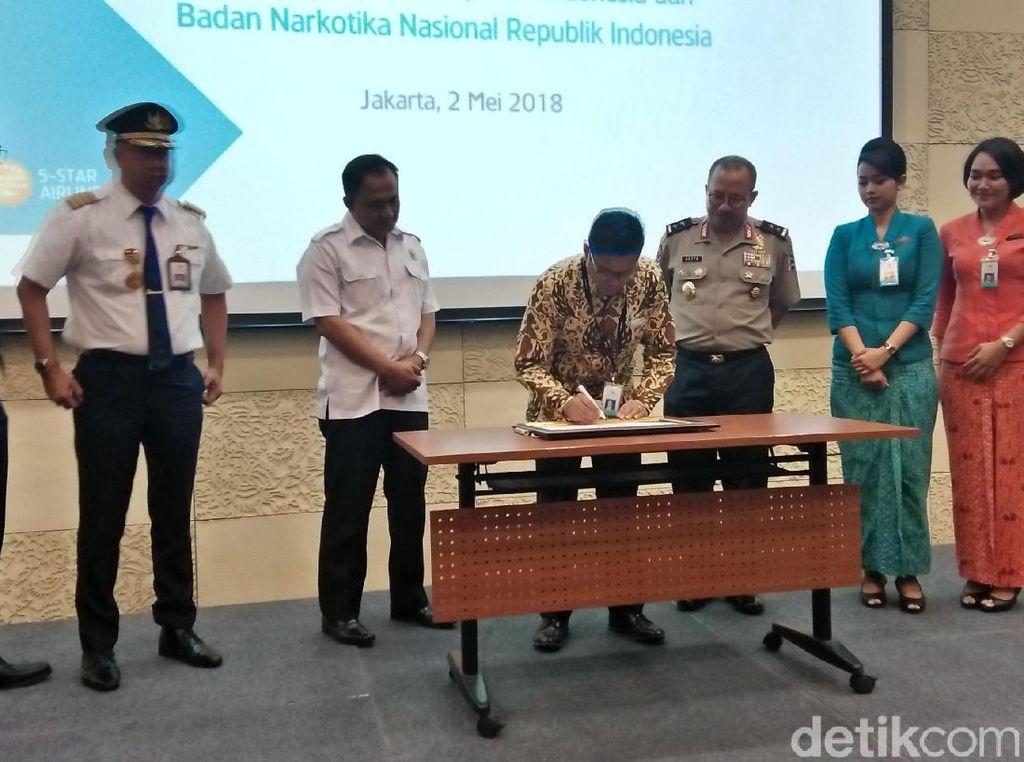 Bareng Kepala BNN, Maskapai Garuda Deklarasi Anti-hoax dan Narkoba