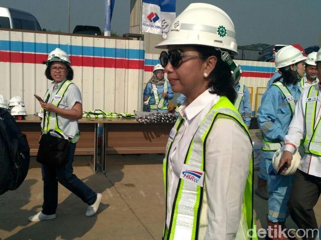 Ada Pekerja China di Proyek Kereta Cepat JKT-BDG, Ini Kata Rini