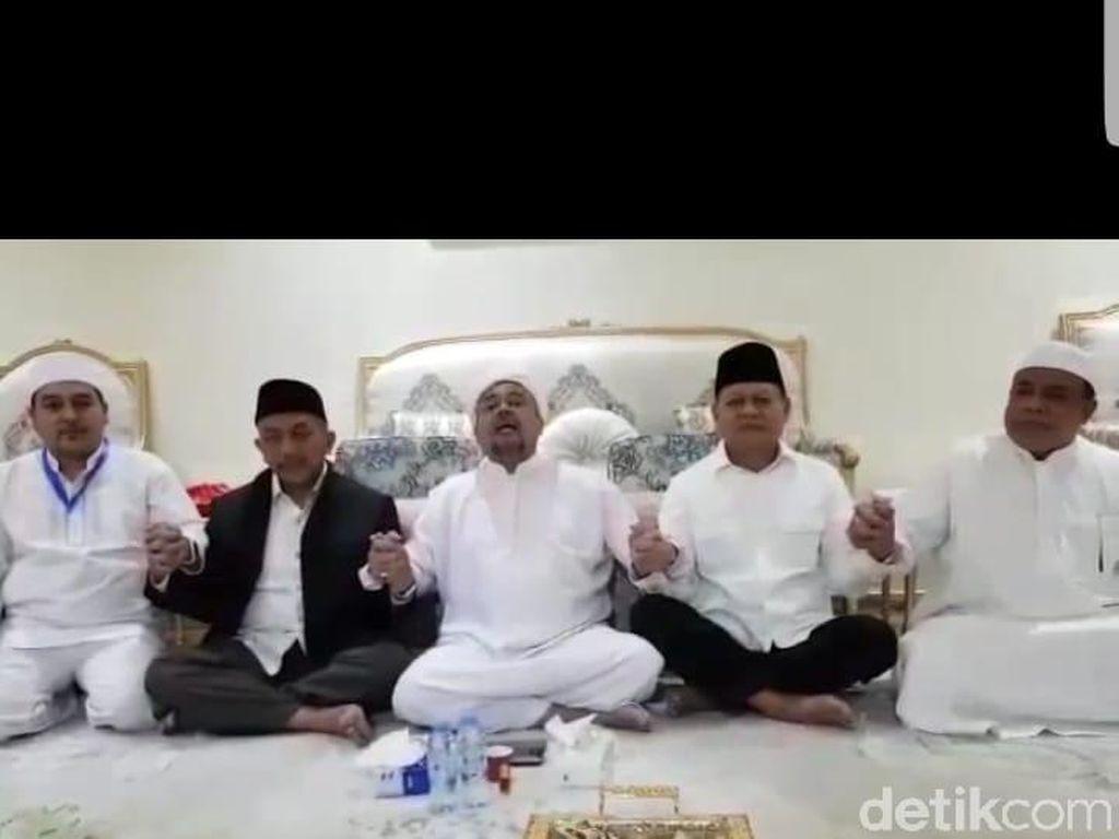 Pergi Umrah, Sudrajat-Syaikhu Bertemu Habib Rizieq di Makkah