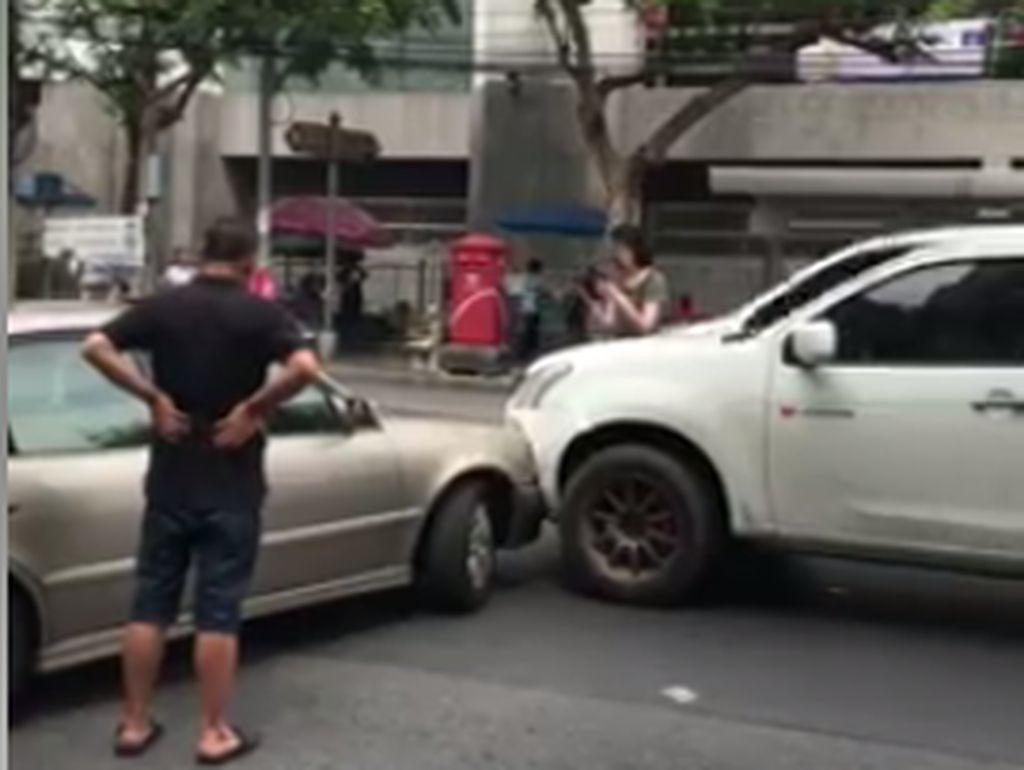 Beda Indonesia dan Thailand Setelah Terjadi Kecelakaan