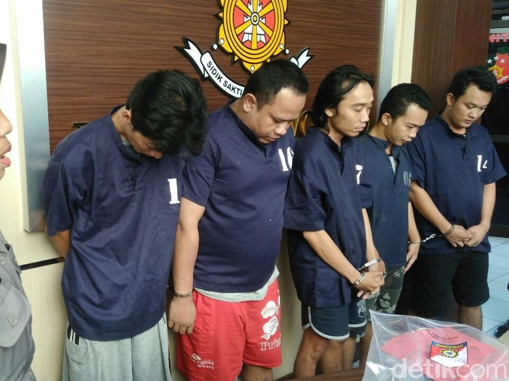 Polres Purworejo Bekuk 5 Orang Kawanan Sindikat Pembobol ATM