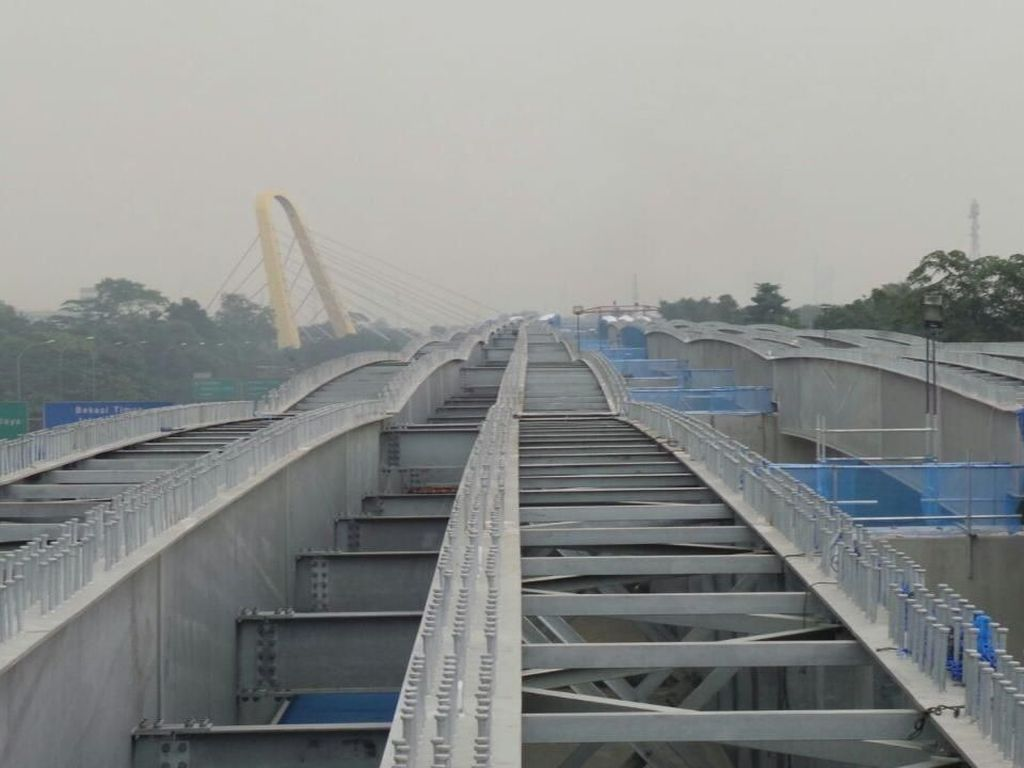 Proyek Tol Layang Jakarta-Cikampek Disetop saat Mudik Lebaran