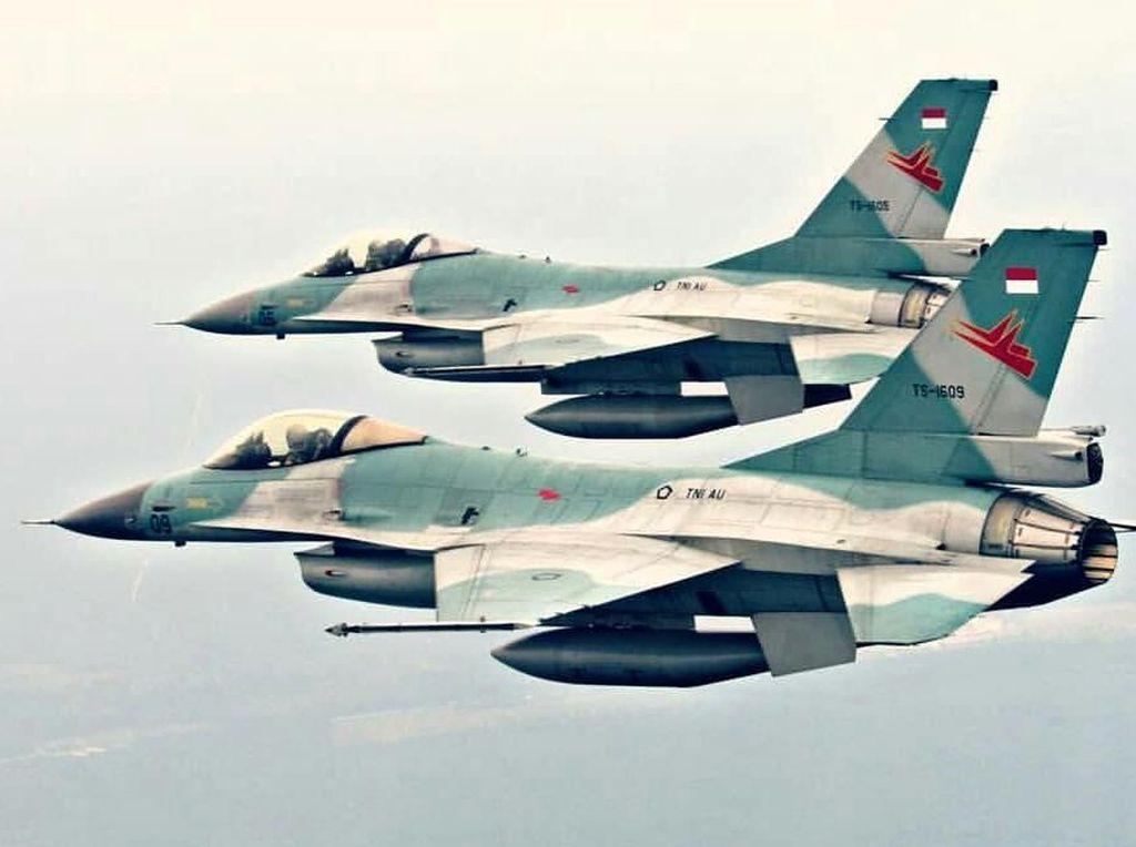 Aksi F-16 TNI AU Hancurkan Pesawat Tempur Asing di Natuna