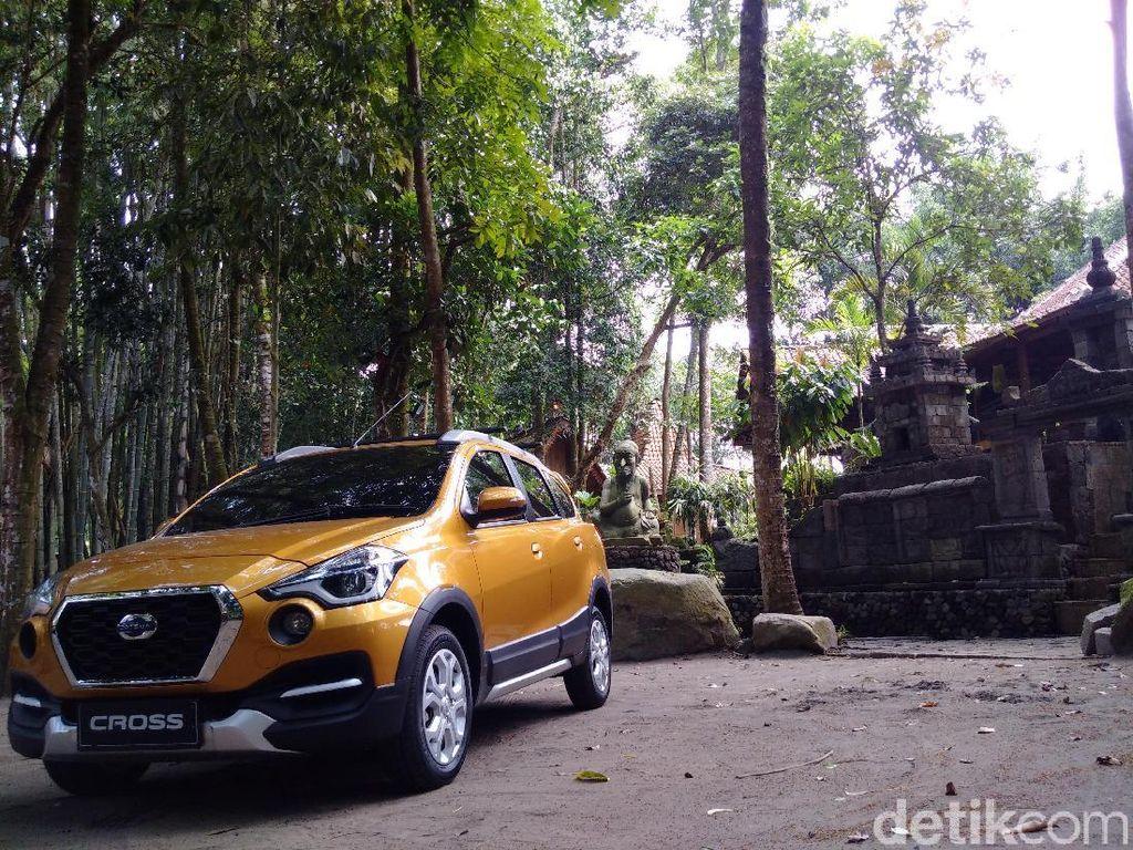 Mengendarai Mobil Mungil Datsun Melintasi Bentang Alam Yogya