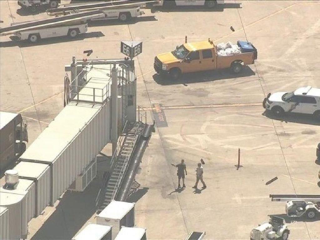 Karyawan Frontier Airlines Kritis Usai Ditikam Rekan Kerja