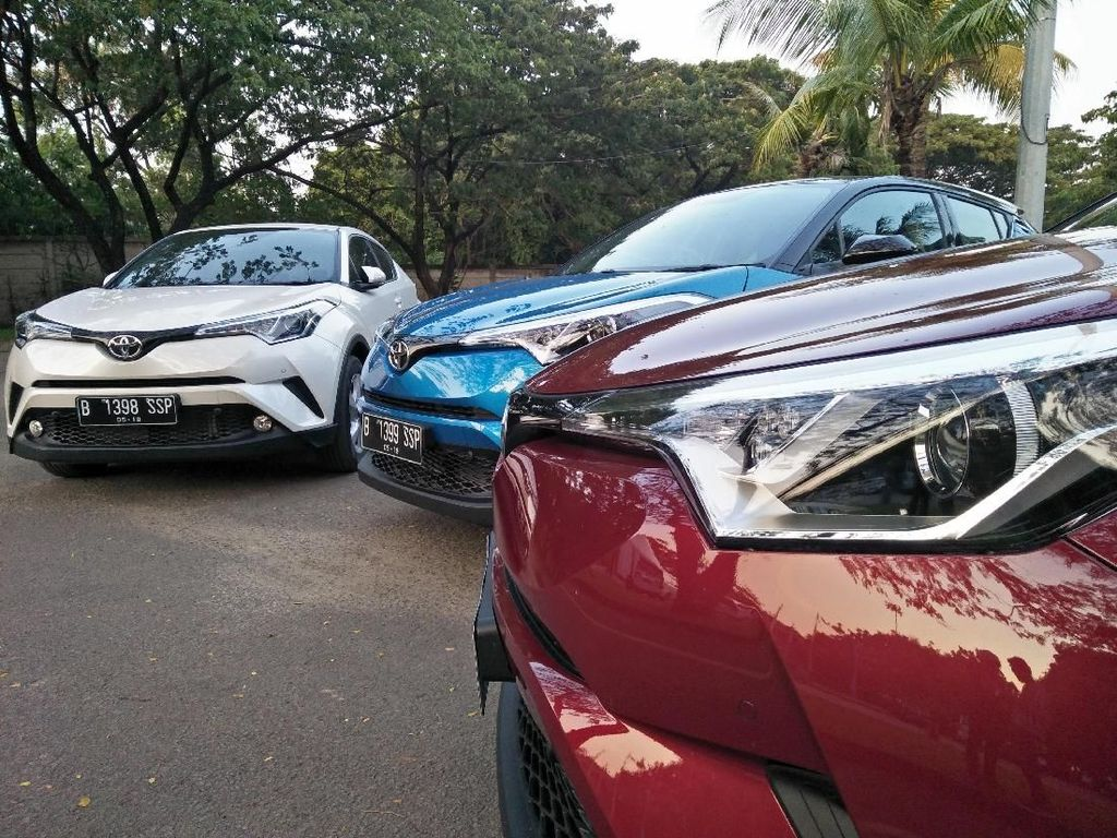 7 Bulan Mengaspal, Toyota C-HR Belum Bisa Saingi Honda HR-V