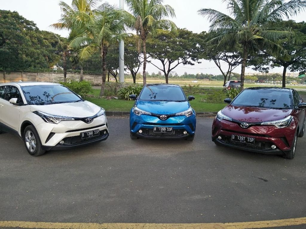 Toyota Siapkan C-HR Hybrid ke Indonesia, Tapi...