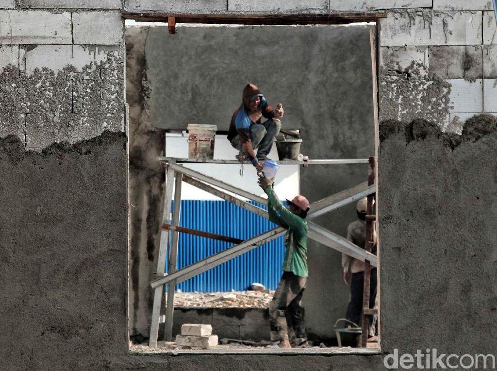 Pembangunan Musala di Kampung Akuarium