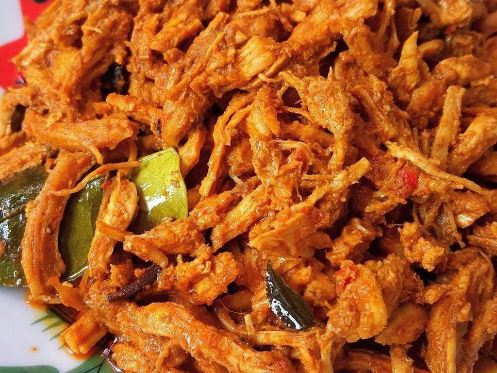 Keripik Kulit Ayam Renyah hingga Ayam Suwir Pedas yang Bikin Nagih
