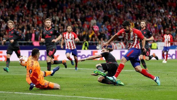 Gol Diego Costa memberikan mimpi buruk bagi Wenger.