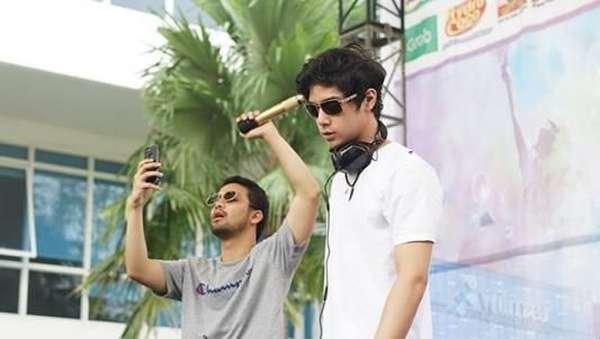 Melihat Penampilan Al Ghazali ketika Nge-DJ