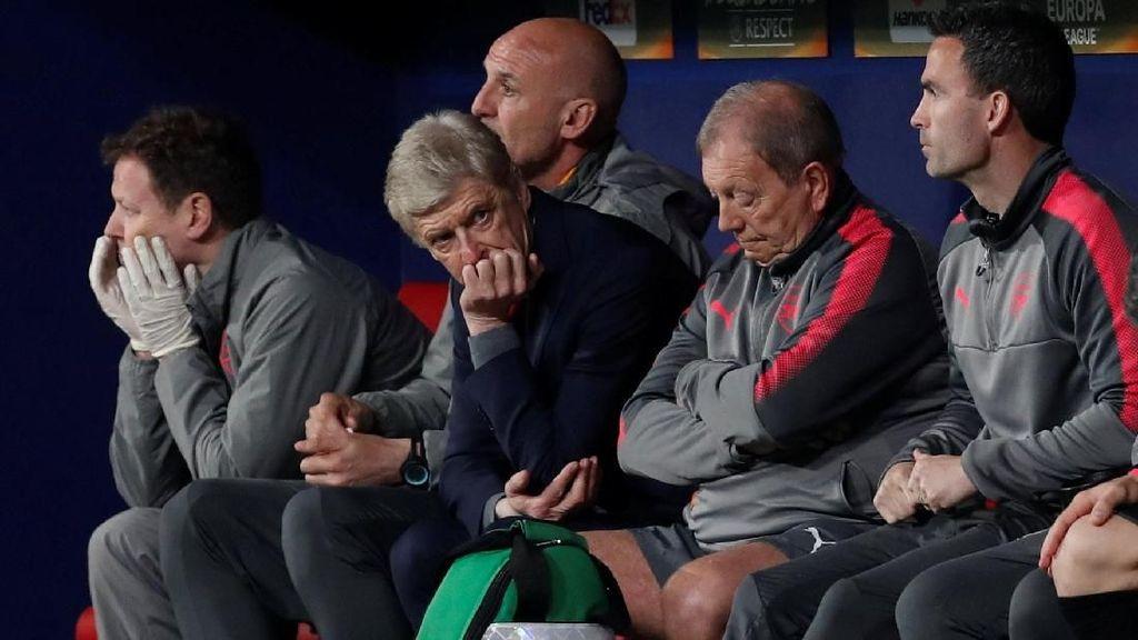 Malam Terakhir Wenger di Eropa Bersama Arsenal: Murung, Tertunduk, Gigit Jari