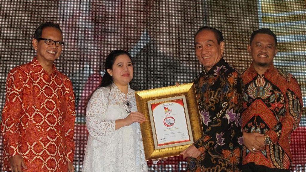 Mochtar Riady Raih Philantropy Award