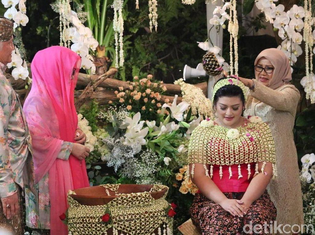 Mufidah Kalla Hadiri Siraman Putri Tutut Soeharto