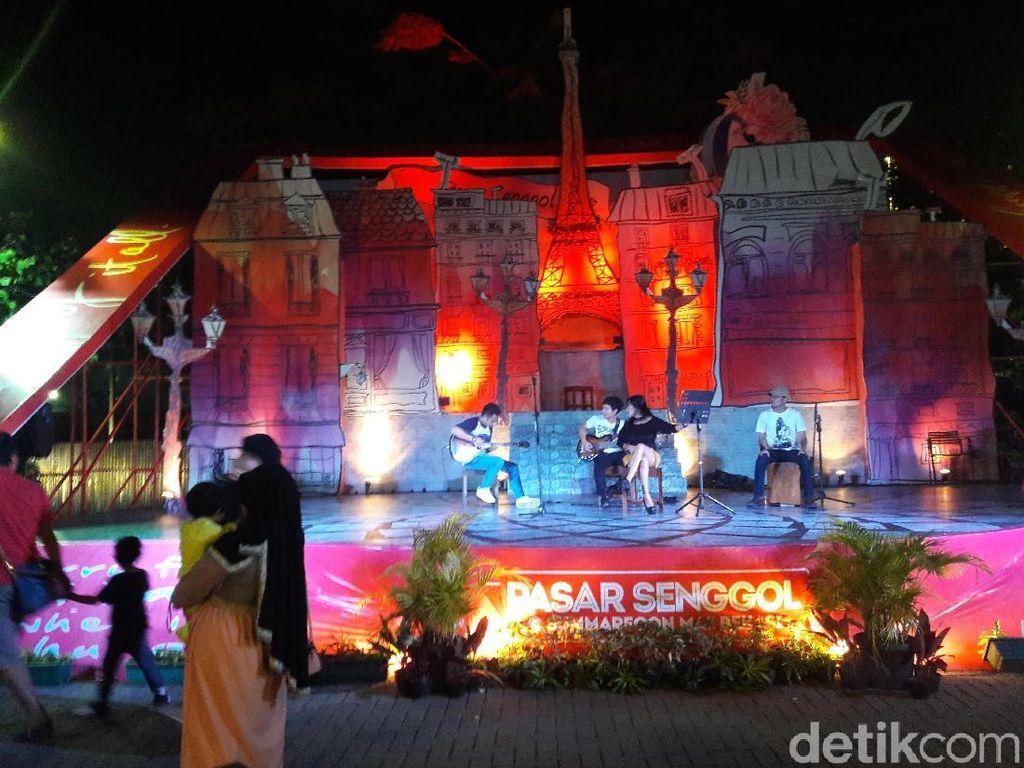 Mengintip Pasar Senggol di Bekasi yang Sediakan Street Food Kekinian