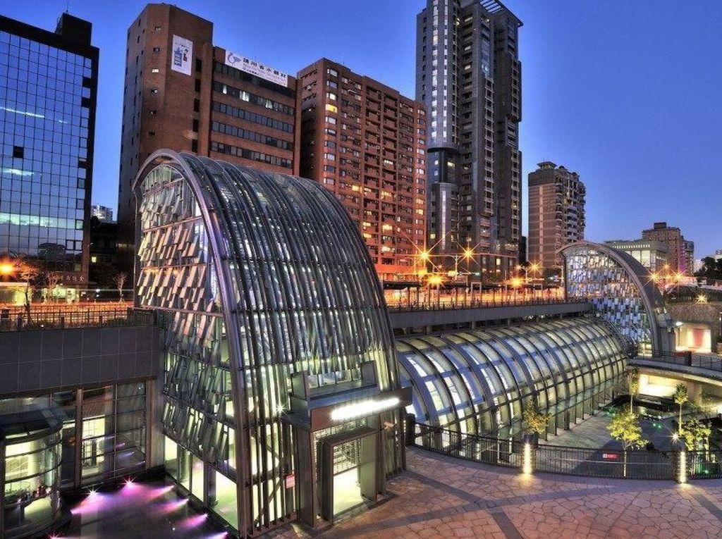 Cantiknya Stasiun MRT Ini Seperti di Luar Angkasa!