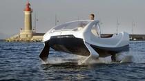 Hindari Macet, Mobil Ini Melaju Kencang di Atas Air