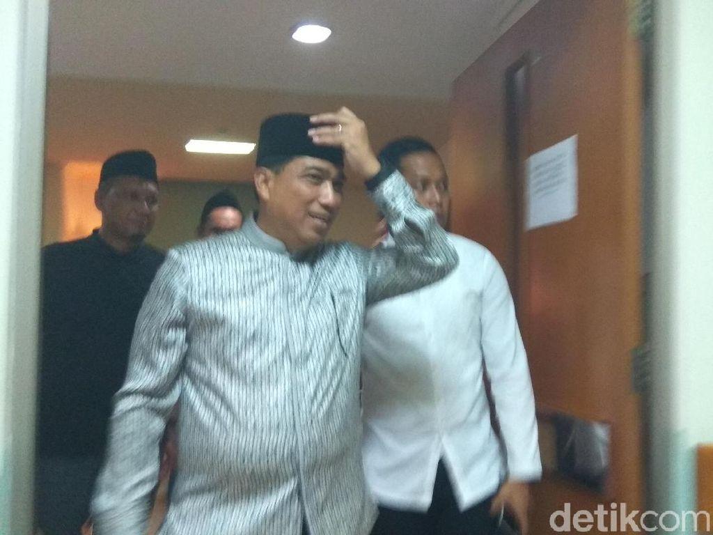 Kapolda Jatim Jenguk Gus Solah yang Terbaring Sakit di RS Surabaya